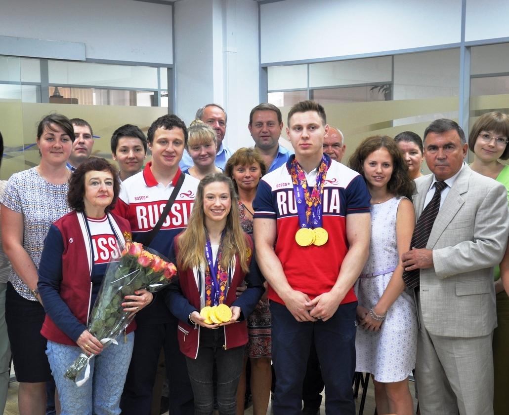 Торжественное чествование чемпионов Евроигр по акробатике Георгия Патараи и Марины Черновой