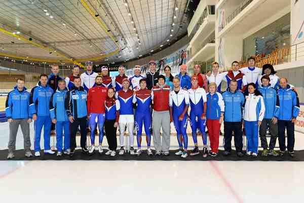 Подмосковные конькобежцы завоевали три медали на старте Кубка мира